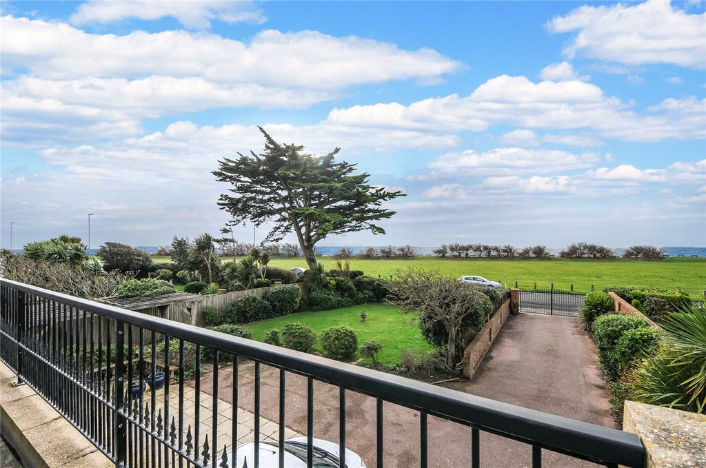 4 Bedrooms Detached House for sale in Marine Drive, Goring-by-Sea, Worthing, West Sussex, BN12