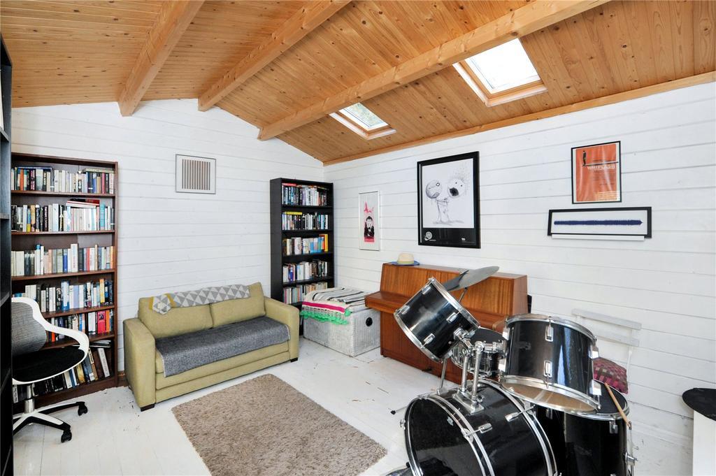 Workshop/Music Room