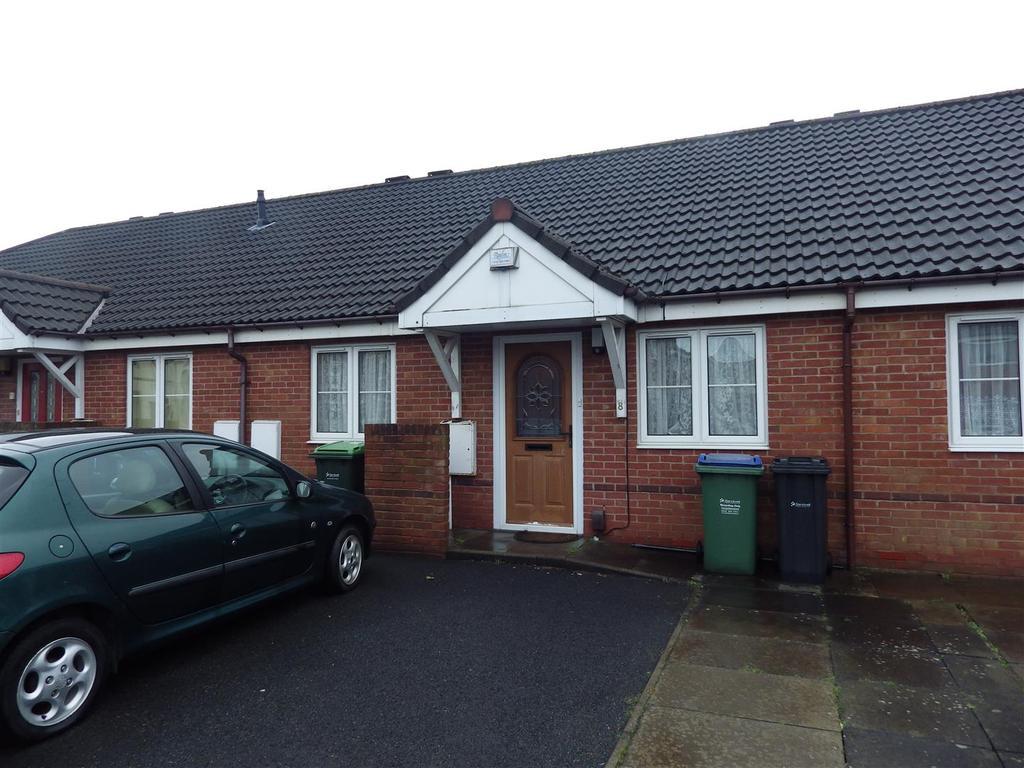 2 Bedrooms Detached Bungalow for sale in Ash Street, Cradley Heath