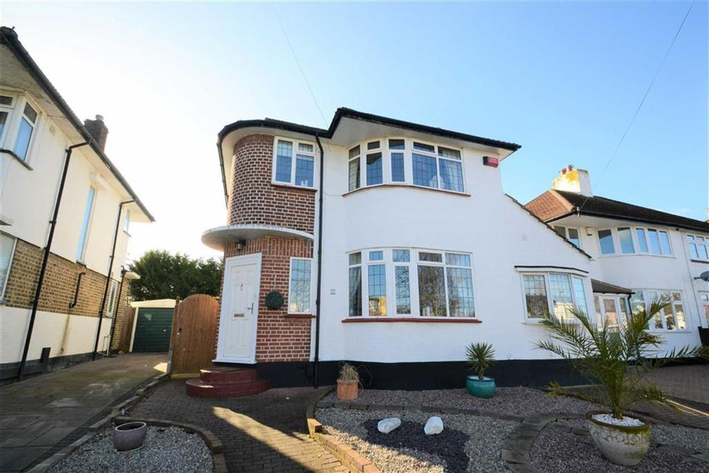 4 Bedrooms Detached House for sale in Beaumont Road, Petts Wood, Kent