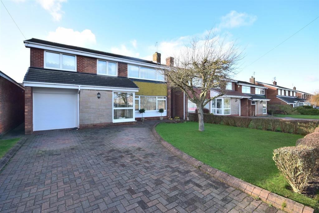 5 Bedrooms Detached House for sale in Longmeadows, East Herrrington, Sunderland