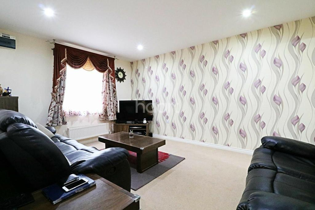3 Bedrooms Semi Detached House for sale in Elmers Lane