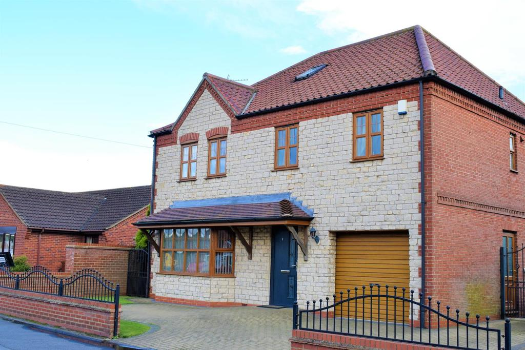 5 Bedrooms Detached House for sale in Mill Lane, Broughton, Brigg, North Lincolnshire, DN20