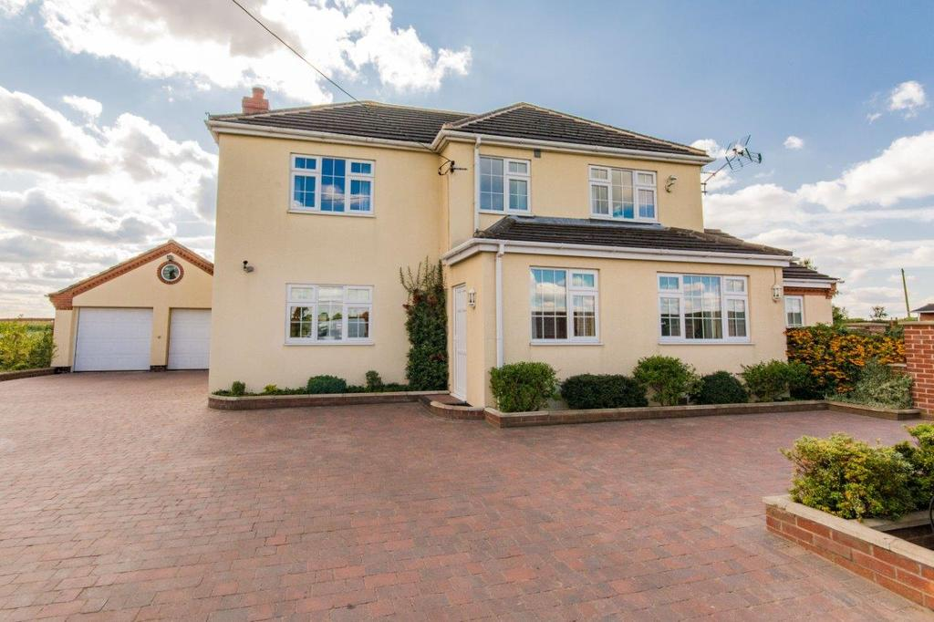 5 Bedrooms Detached House for sale in Newbigg, Crowle, Scunthorpe, North Lincolnshire, DN17