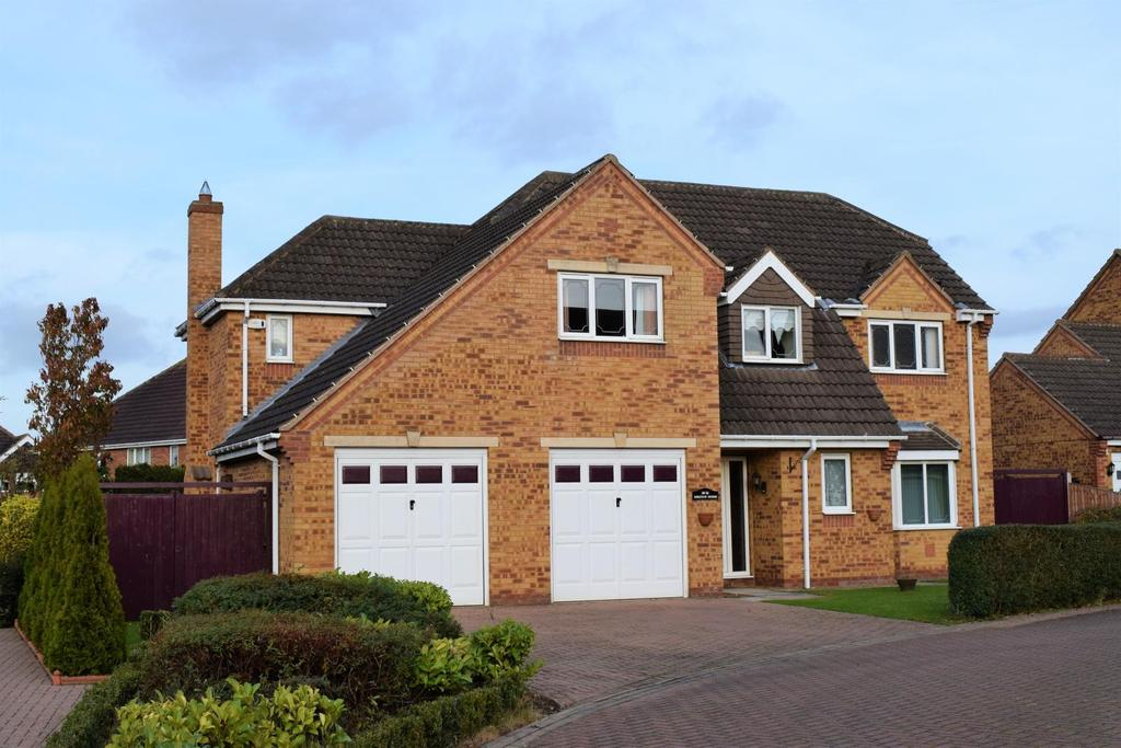5 Bedrooms Detached House for sale in Westfield Garth, Ealand, Scunthorpe, Lincolnshire, DN17