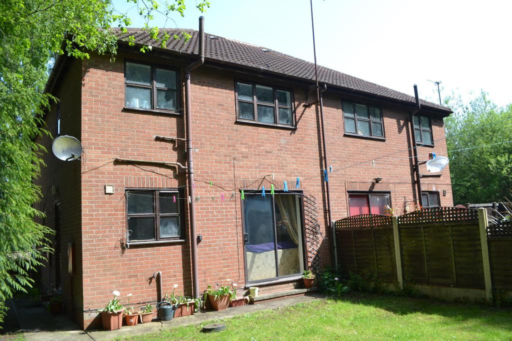 1 Bedroom Terraced House for sale in The Fairways, Scunthorpe, North Lincolnshire, DN15