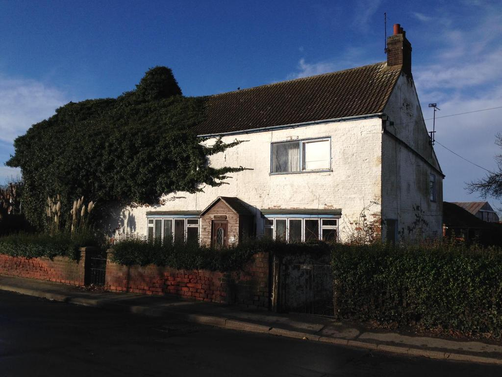 4 Bedrooms Detached House for sale in Main Street, Althorpe, North Lincolnshire, DN17