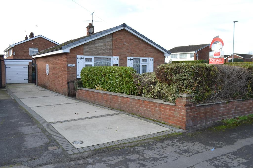 2 Bedrooms Detached Bungalow for sale in Quebec Road, Scunthorpe, North Lincolnshire, DN17