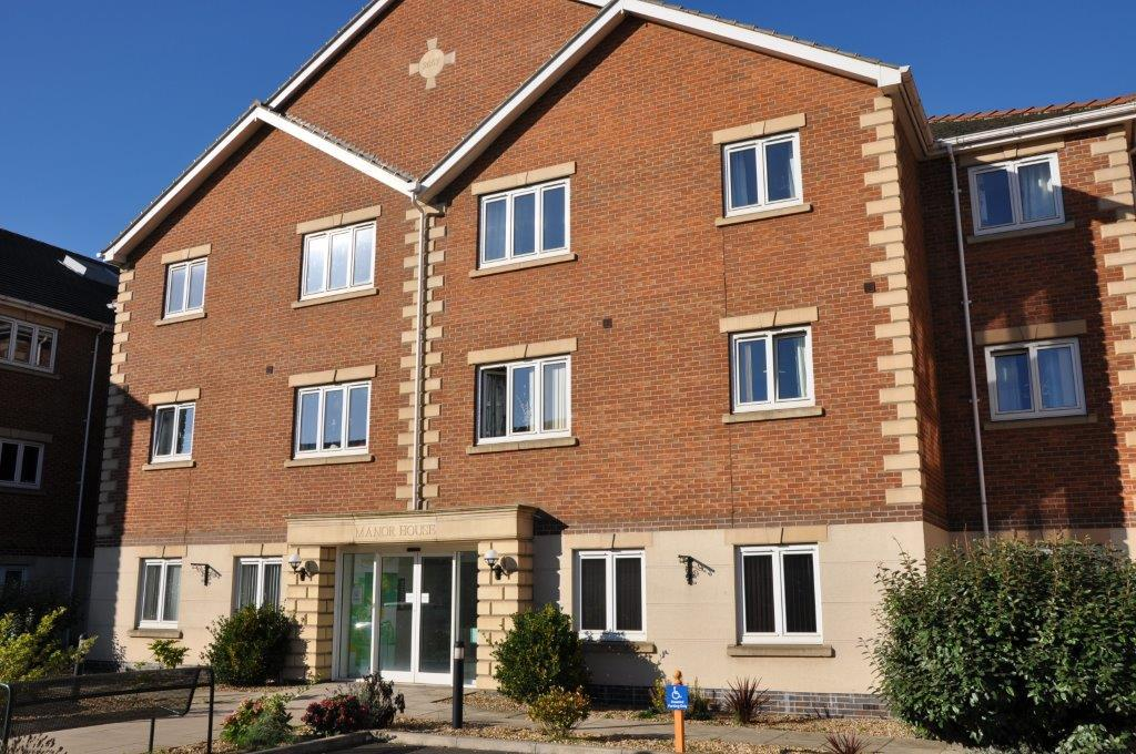 2 Bedrooms Flat for sale in Harpham Close, Scunthorpe, North Lincolnshire, DN16