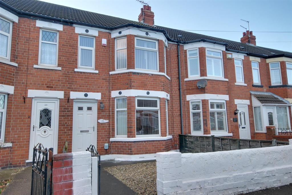 3 Bedrooms Terraced House for sale in Cardigan Road, Hull