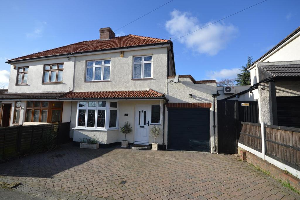3 Bedrooms Semi Detached House for sale in Woodstock Avenue, Harold Park, Romford, RM3