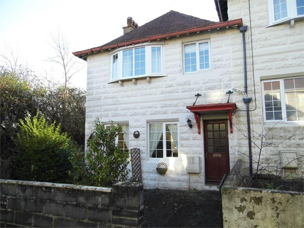 3 Bedrooms End Of Terrace House for sale in 9 St Davids Place, Goodwick, Pembrokeshire