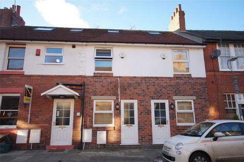 2 bedroom terraced house to rent - Emmerson Street, Heworth, York