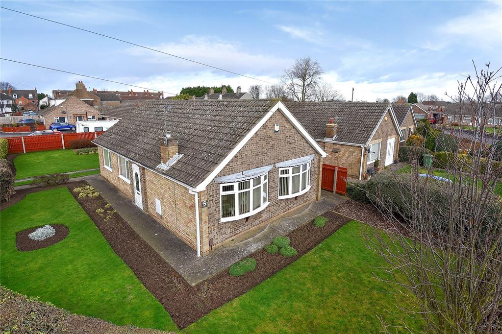 3 Bedrooms Detached Bungalow for sale in Hume Brae, Immingham, DN40