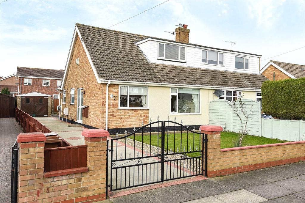 3 Bedrooms Semi Detached Bungalow for sale in Fillingham Crescent, Cleethorpes, DN35
