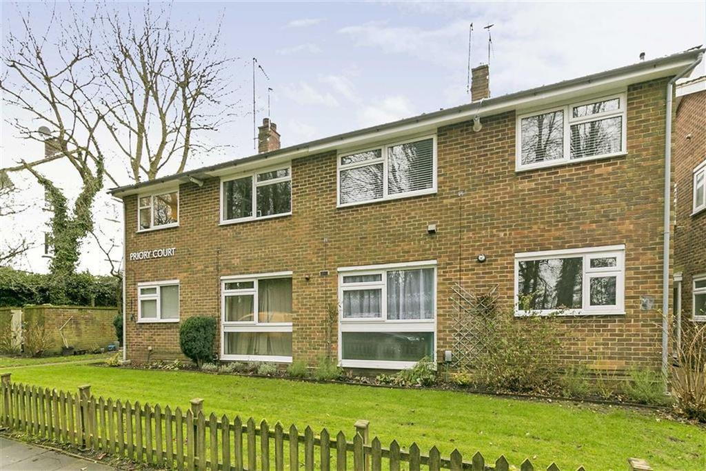 2 Bedrooms Maisonette Flat for sale in Priory Court, Banstead, Surrey