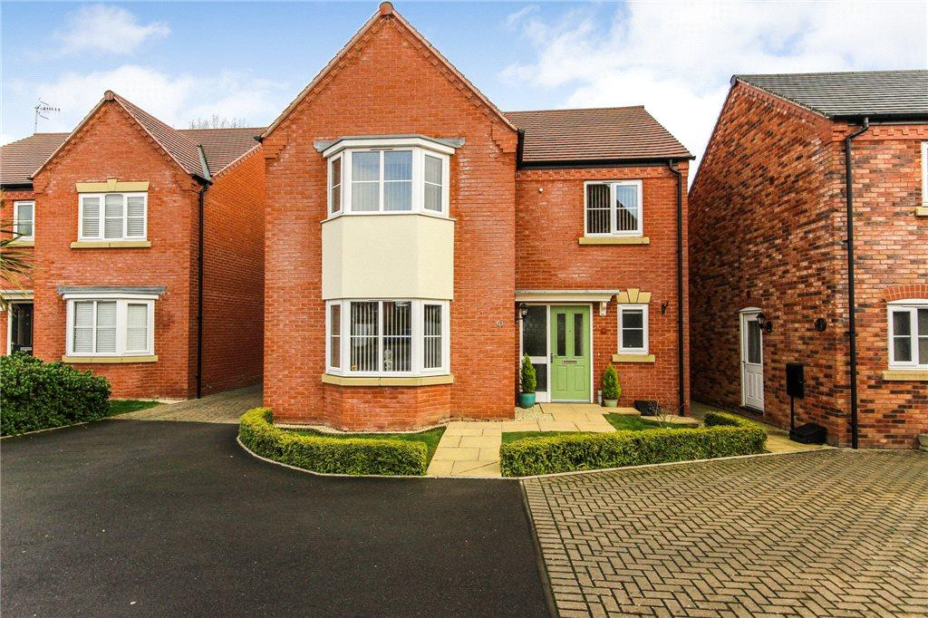 4 Bedrooms Detached House for sale in Desjardins Way, Pershore, Worcestershire, WR10