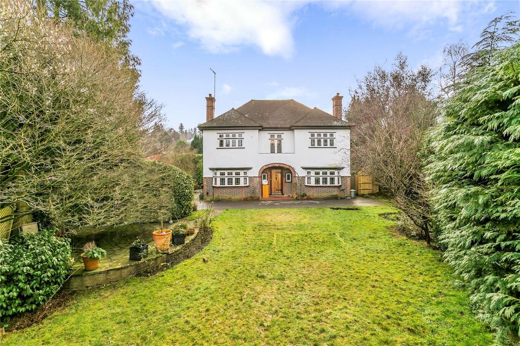 5 Bedrooms Detached House for sale in Deepdene Drive, Dorking, Surrey, RH5