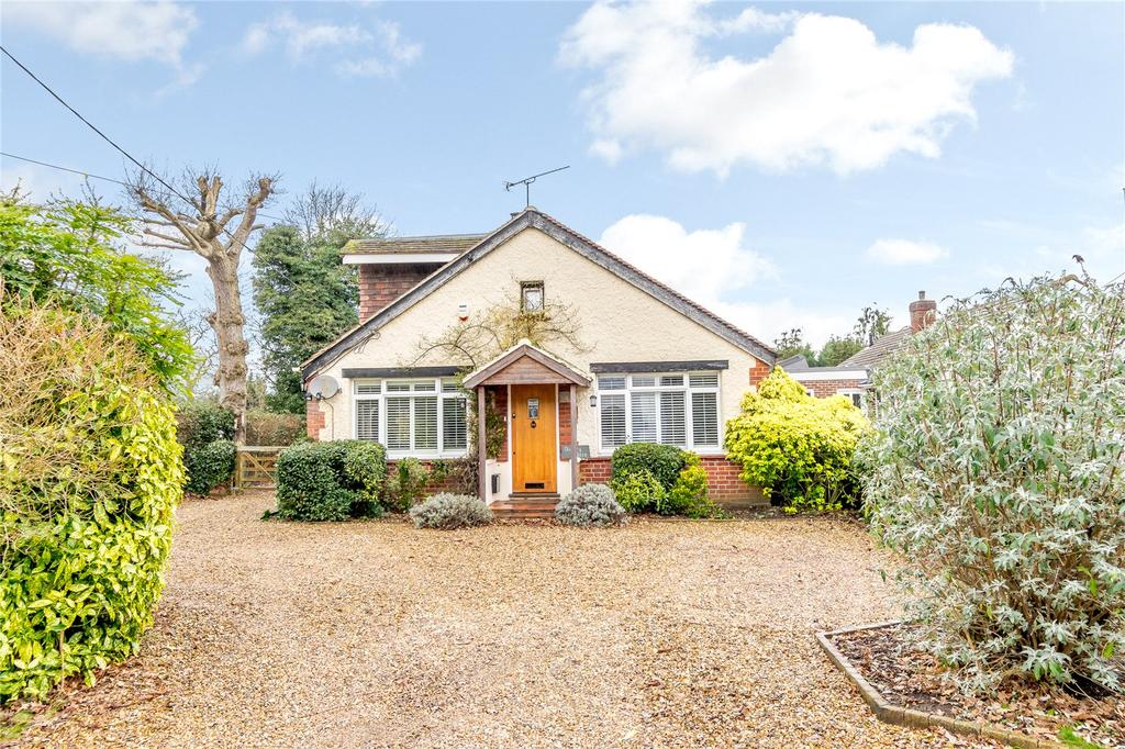 4 Bedrooms Detached House for sale in Kiln Lane, Woodside, Berkshire