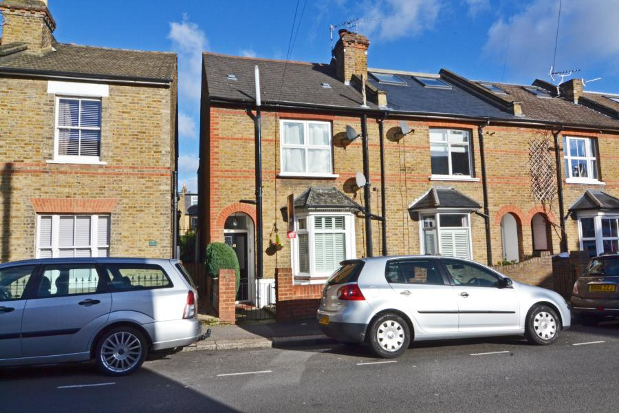 1 Bedroom Flat for sale in Talbot Road, Old Isleworth, TW7