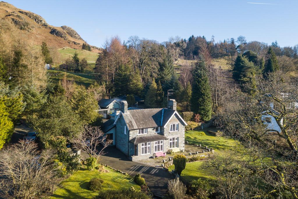 3 Bedrooms Detached House for sale in Brunt How Cottage, Ellers Brow, Loughrigg, Ambleside, Cumbria LA22 9HE