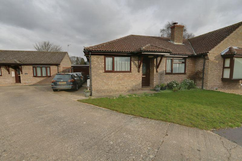2 Bedrooms Semi Detached Bungalow for sale in Fairfield, Sutton