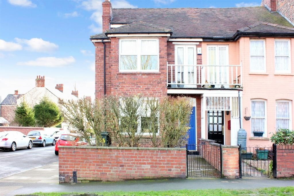 4 Bedrooms End Of Terrace House for sale in 115 Carr Lane York YO26 5HN