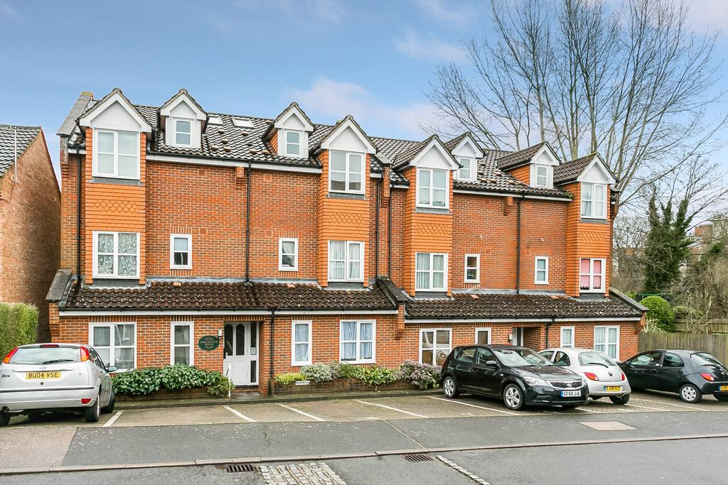 1 Bedroom Apartment Flat for sale in Hasletts Close, Tunbridge Wells