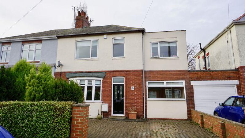 4 Bedrooms Semi Detached House for sale in Broomfield Avenue Walkerville