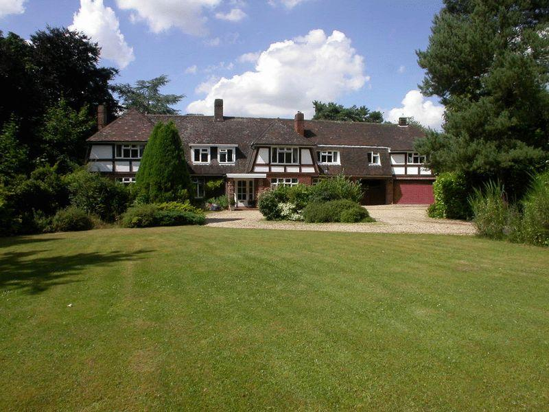 6 Bedrooms Detached House for sale in Dormy House, 43 Horncastle Road, Woodhall Spa