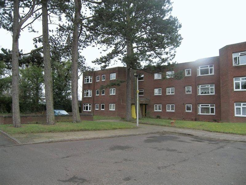2 Bedrooms Apartment Flat for sale in Ethelred Close, Four Oaks, Sutton Coldfield