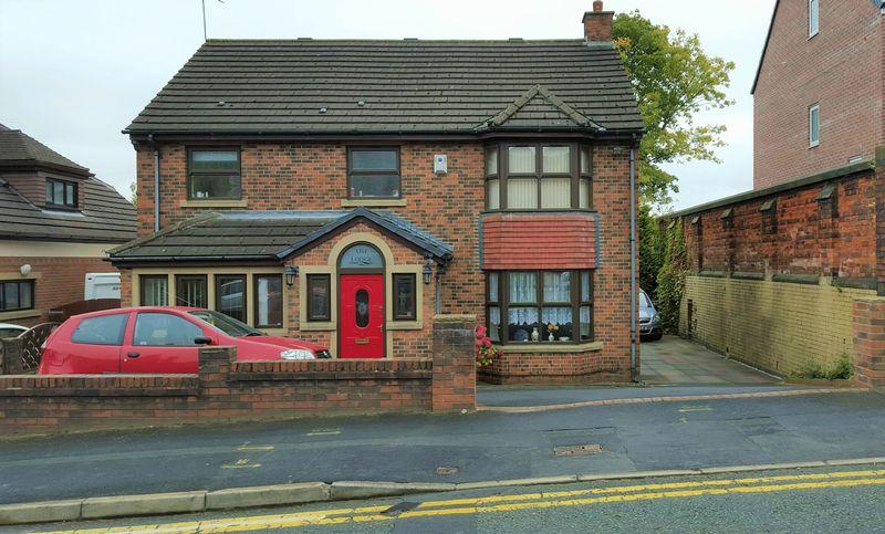6 Bedrooms Detached House for sale in Union Road, Dearnley, Rochdale