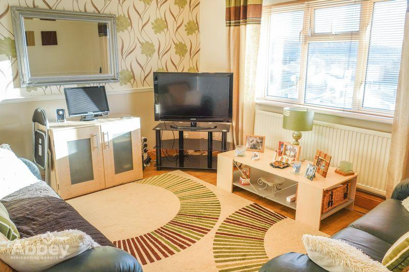 2 Bedrooms Flat for sale in March Hywel, Cilfrew, Neath, SA10 8NB