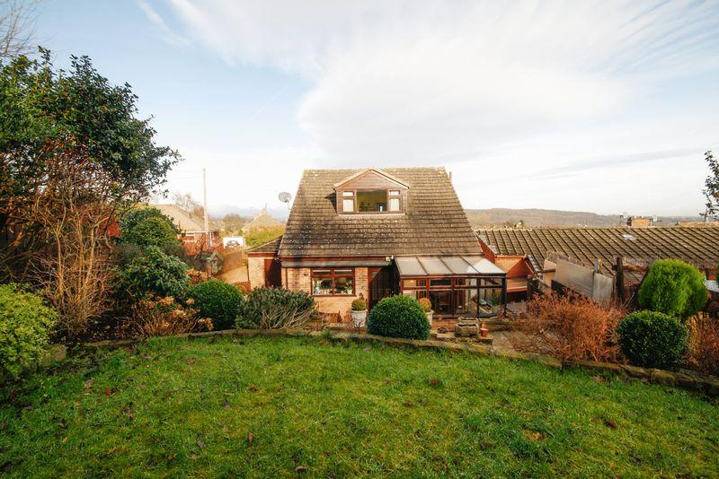 3 Bedrooms Bungalow for sale in South Parade, Elland