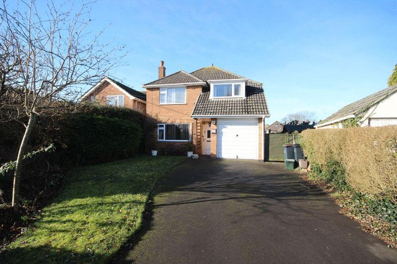 3 Bedrooms Detached House for sale in WEST CHRISTCHURCH