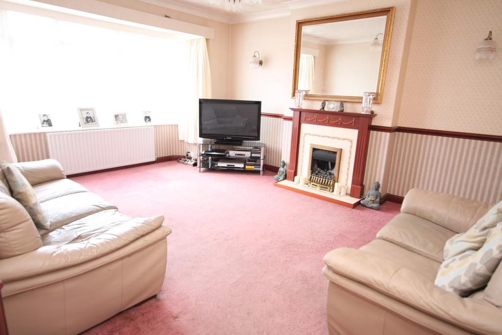 Overhill, Southwick, BN42 4WH 3 bed detached bungalow for sale ...