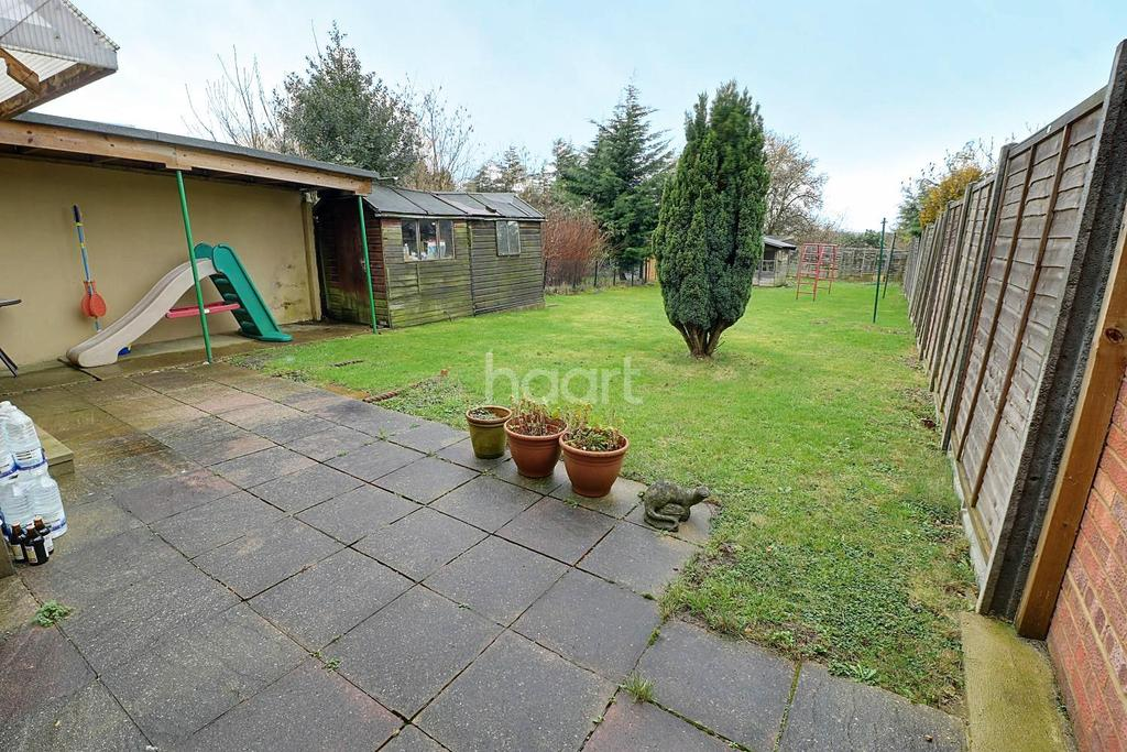 3 Bedrooms Semi Detached House for sale in A Spring Favourite In Stopsley Catchment