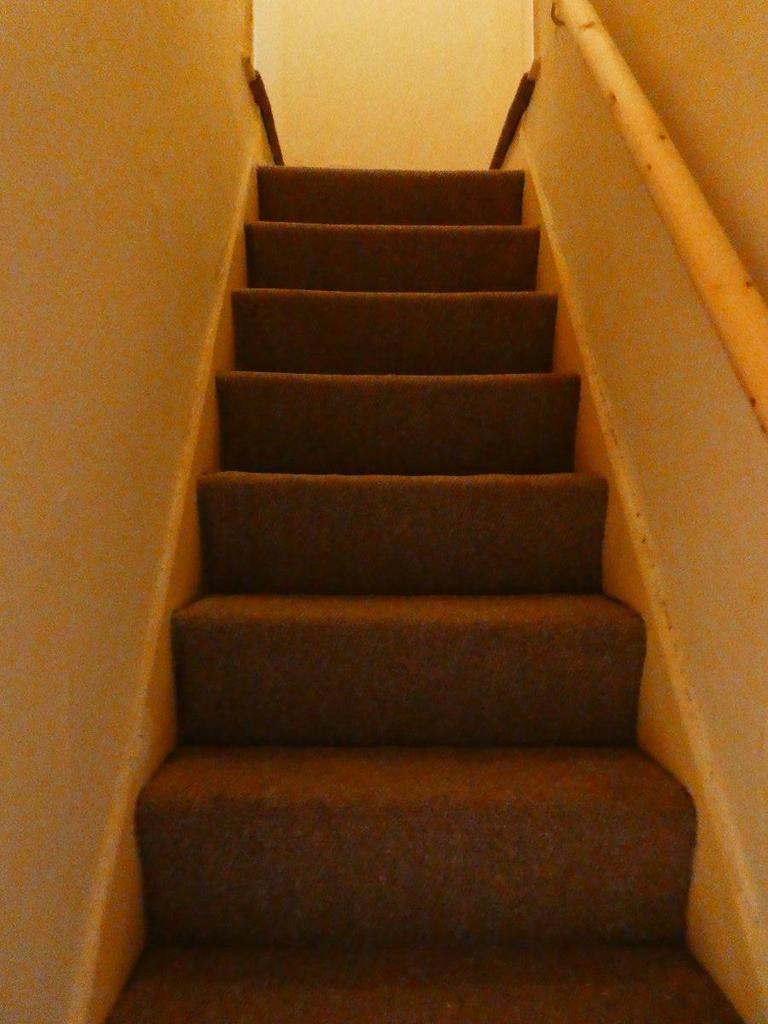 Room 3 Lewis Street Stoke On Trent St4 7rr 3 Bed House