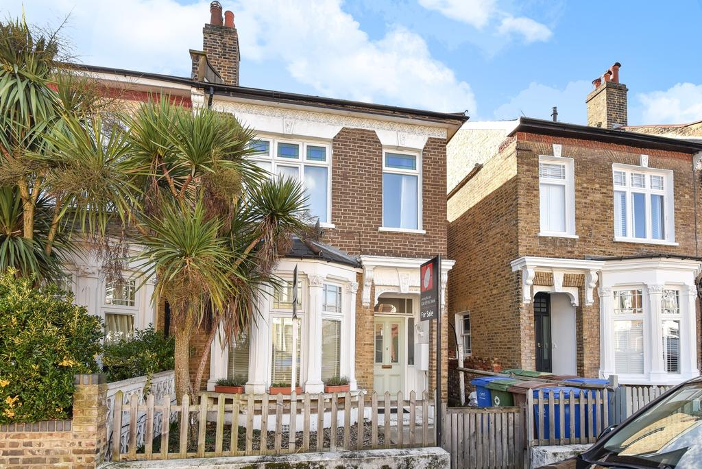 2 Bedrooms Maisonette Flat for sale in Glengarry Road East Dulwich SE22