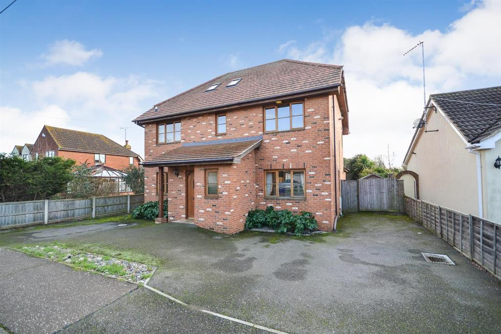 5 Bedrooms Detached House for sale in Barnmead Way, Burnham-on-Crouch