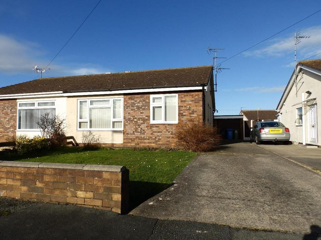 2 Bedrooms Semi Detached Bungalow for sale in Erw Las, Rhyl