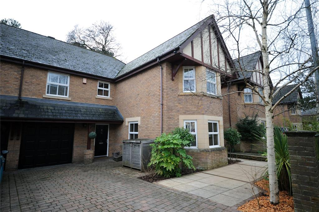 4 Bedrooms Semi Detached House for sale in Nant Y Wedal, Heath, Cardiff, CF14