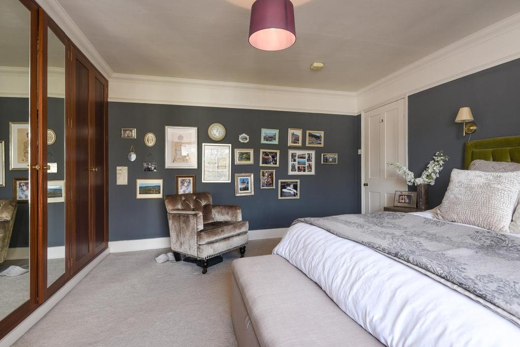2 Bedrooms Flat for sale in Granville Park, Lewisham