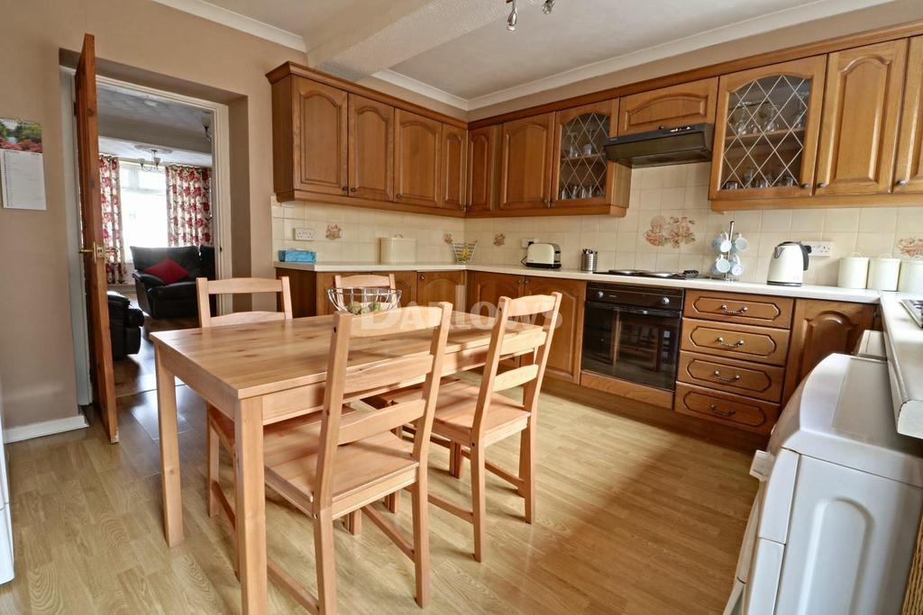 3 Bedrooms Terraced House for sale in North Rd, Ferndale