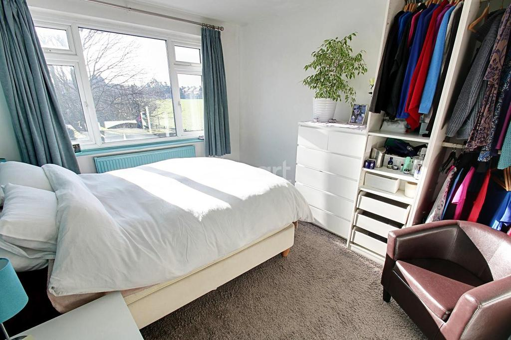 3 Bedrooms Detached House for sale in St Austell Drive, Wilford, Nottinghamshire