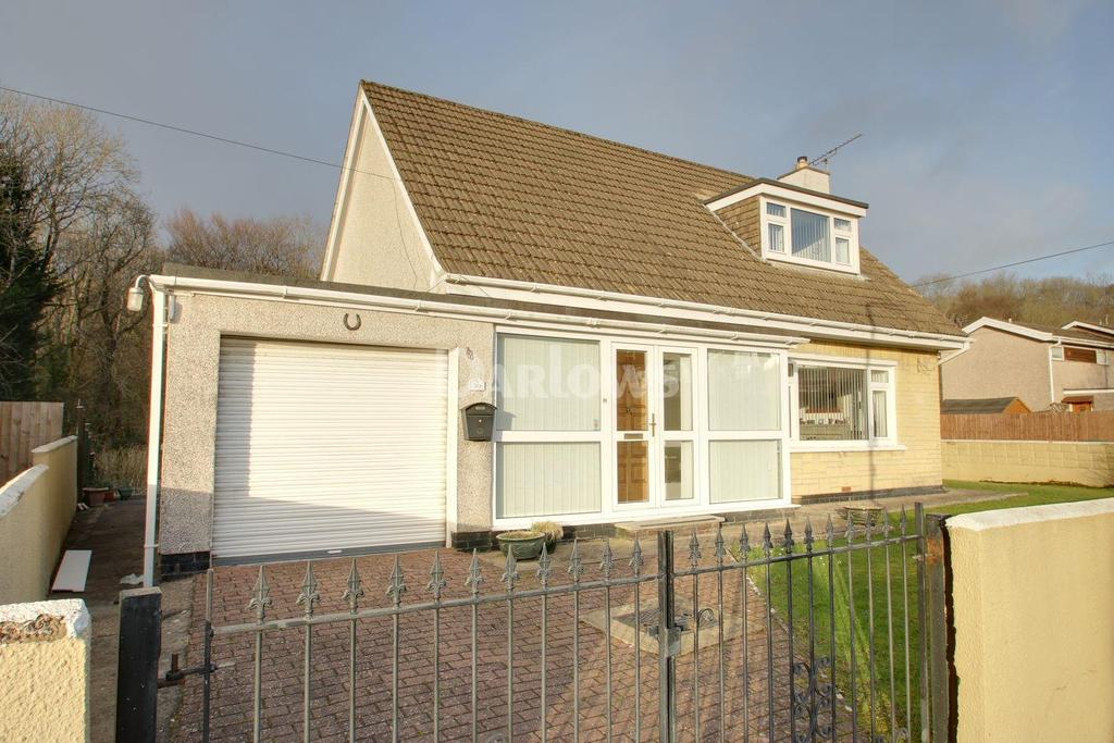 3 Bedrooms Bungalow for sale in Brynau Road, Taffs Well