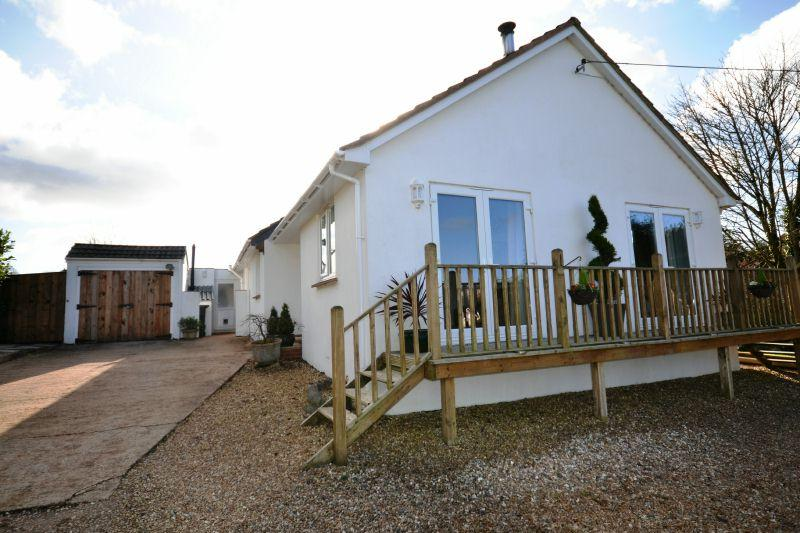 4 Bedrooms Detached Bungalow for sale in SIDMOUTH ROAD, OTTERY ST MARY