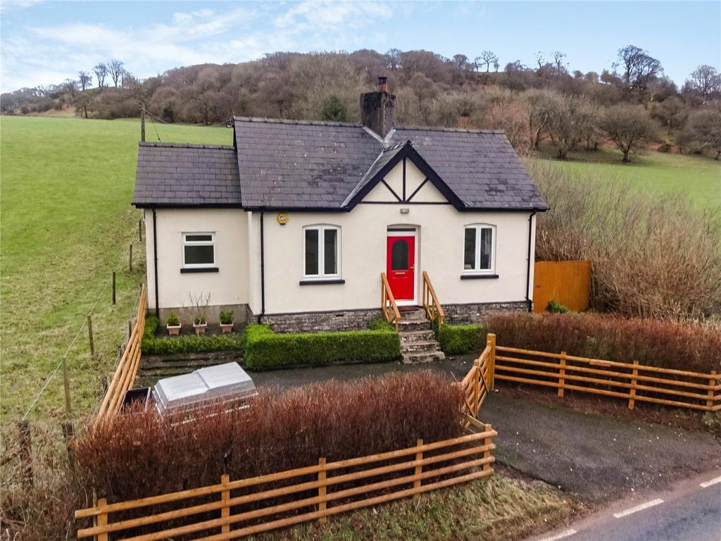 3 Bedrooms Detached Bungalow for sale in Lower Chapel, Brecon, Powys