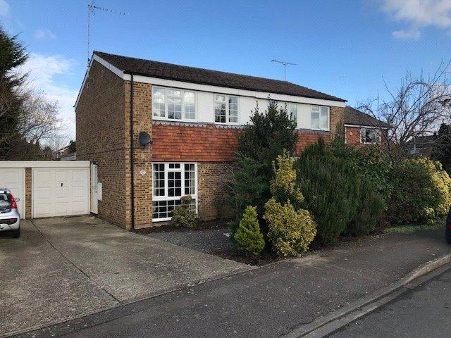 3 Bedrooms Semi Detached House for sale in Waterside Drive, Purley on Thames, Reading, Berks, RG8