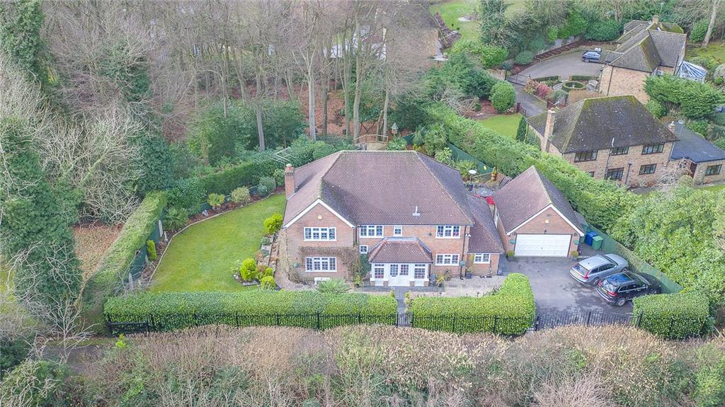 5 Bedrooms Detached House for sale in Manor Road, Penn, High Wycombe, Buckinghamshire, HP10
